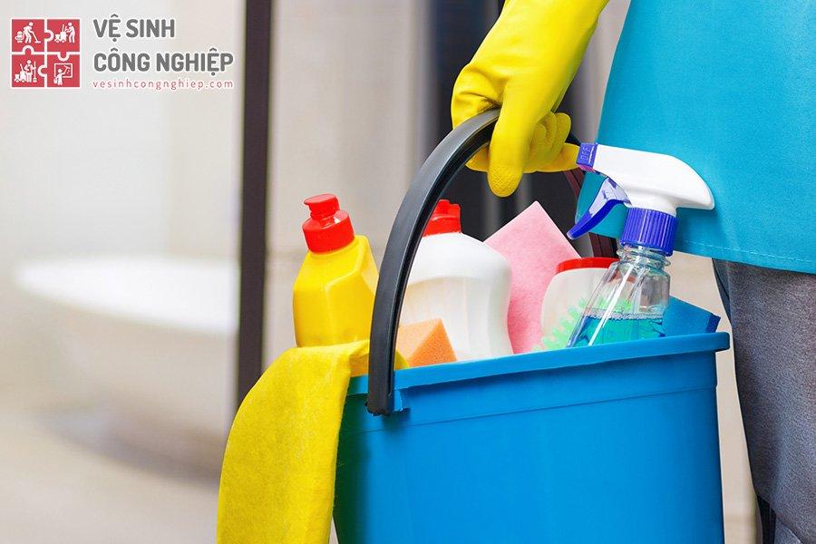 dụng cụ vệ sinh nhà cửa