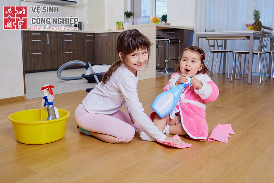 khuyến khích bé dọn dẹp