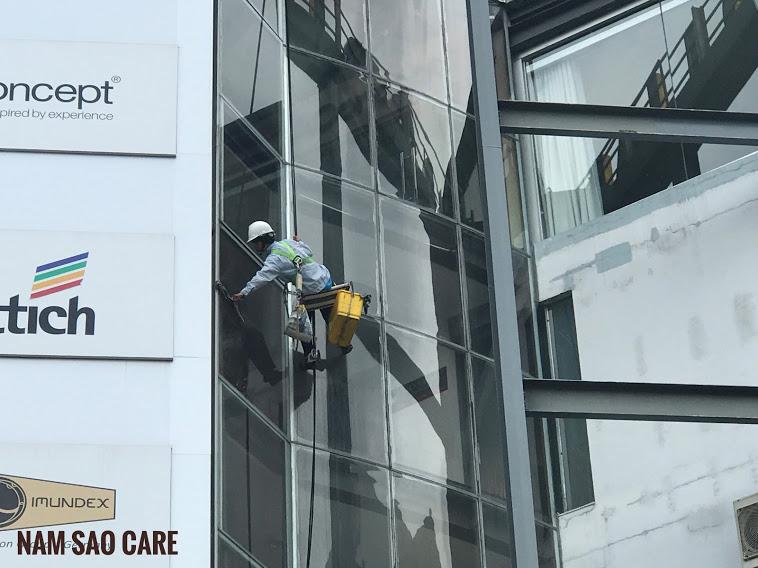vệ kính tòa nhà